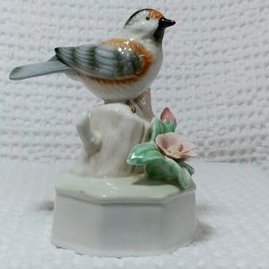 Porcelain Finch Music Box